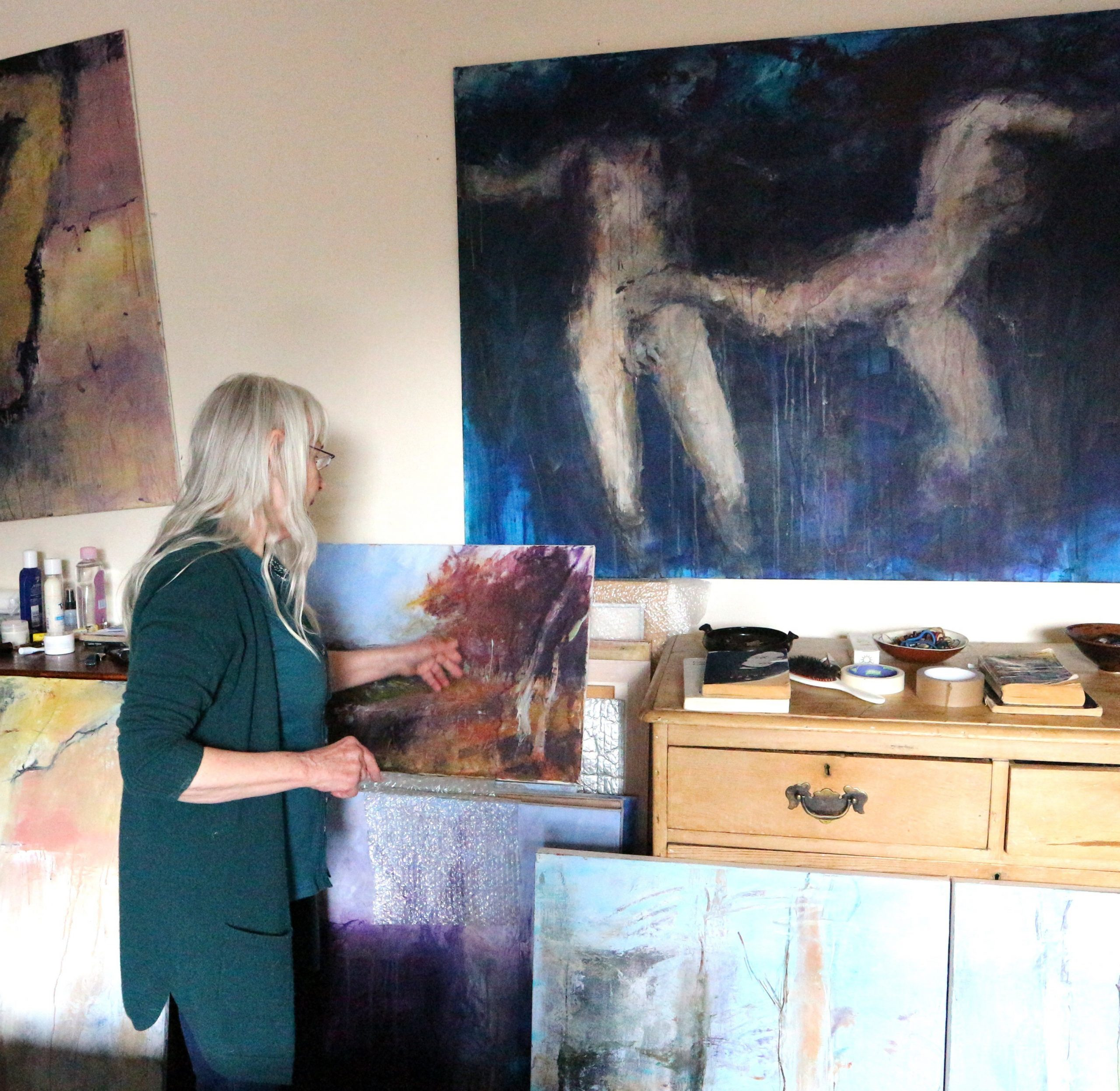 painters Tubes Editor interviews Pauline Rignall at her studio for issue#8